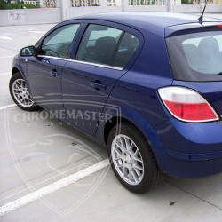 Listwy pod szyby boczne Opel Astra III