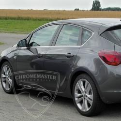 Listwy pod szyby boczne Opel Astra IV