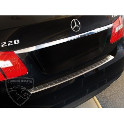 Nakładka z zagięciem na zderzak (stal szczotkowana) Mercedes E Klasa W 212 Sedan