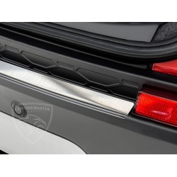 Nakładka profilowana z zagięciem na zderzak (stal szczotkowana) Land Rover DISCOVERY SPORT 5d