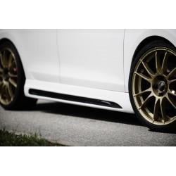 Dokładki progów z wycięciem Carbon Look Volkswagen Golf 6