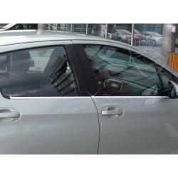 Listwy pod szyby boczne Toyota Yaris 3