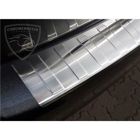 Nakładka z zagięciem na zderzak Toyota Avensis 3 Sedan